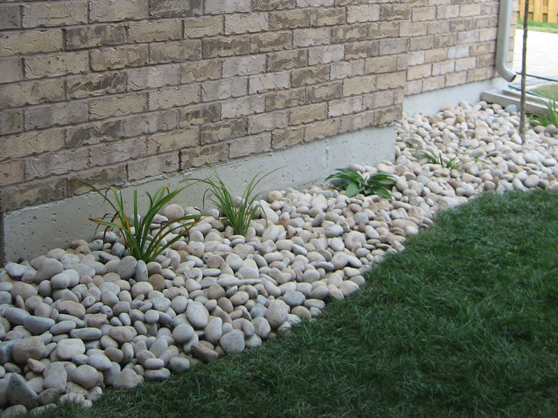 Landscaping landscaping ideas rock beds for River rock landscaping